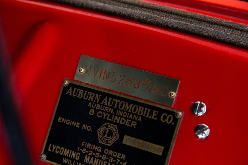 1981-auburn-852-boattail-speedster30.jpeg