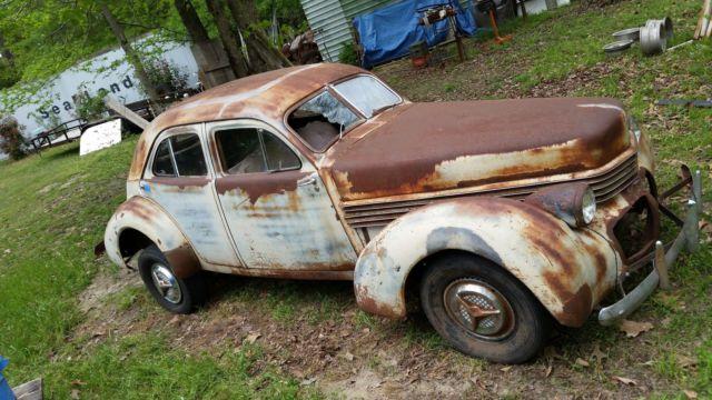 1940HupmobileHandBuiltpicNo2.jpg