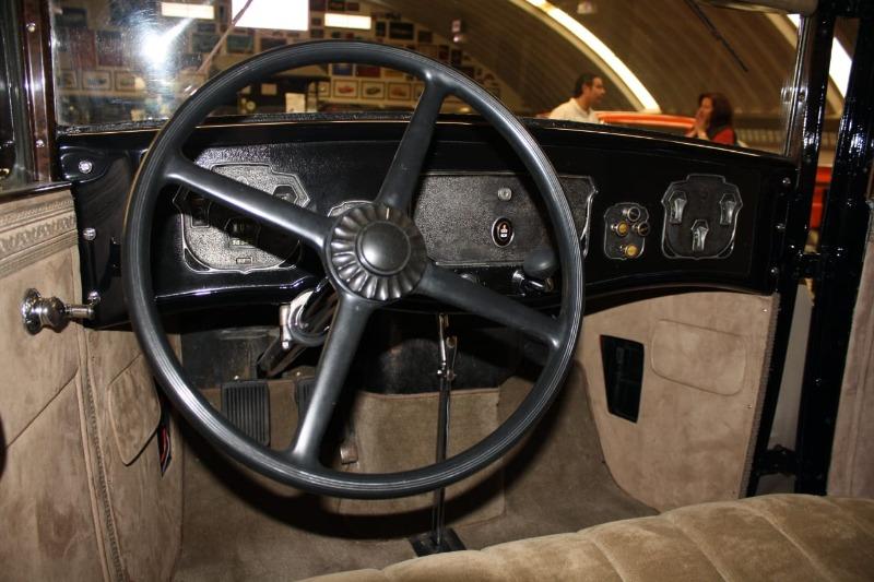 1930CordL-29sedanenPueblamuseo1.JPG
