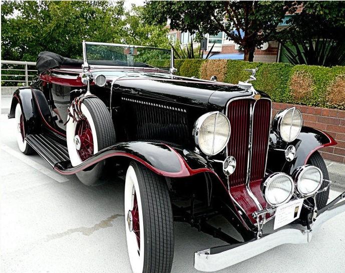 1931-32AuburnCabrioletblackwithredredwheels.Pilotrays2.jpg